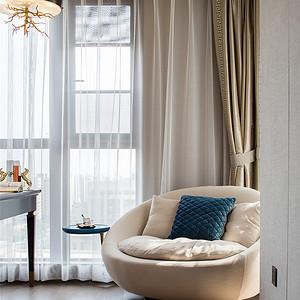 东易日盛客厅白色窗帘效果图