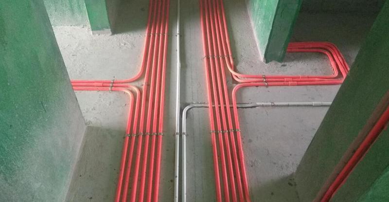 然后是水路电路的布置,不管是水路还是电路的管线都非常整齐有序.