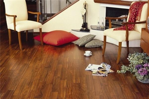 推荐实木地板安装质量自检方法