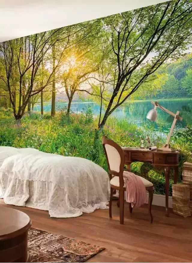 小溪潺潺的卧室
