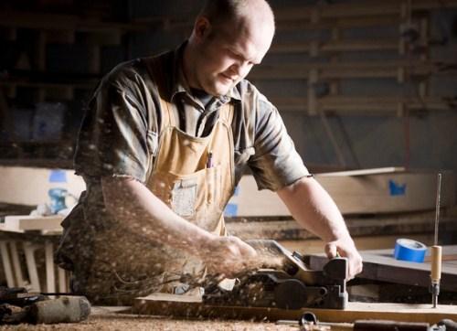 2018家庭装修请木工师傅要多少钱一天?装修木工费用计算方式