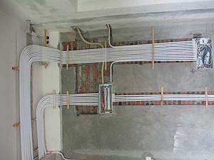 装修业主如何在新房完工时一个人验收水电工程