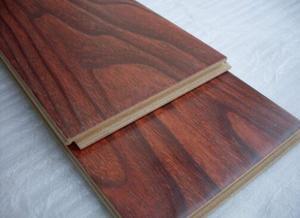 复合木地板的清洗和保养技巧