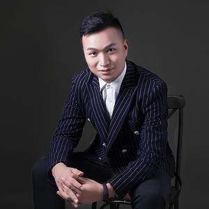优秀设计师李小龙