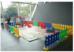 活动现场特设儿童游乐区