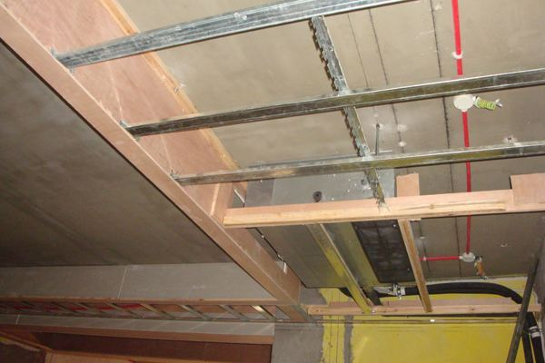 首頁 裝修施工 > 室內裝修木工工藝流程-青島東易日盛   龍骨架的設計
