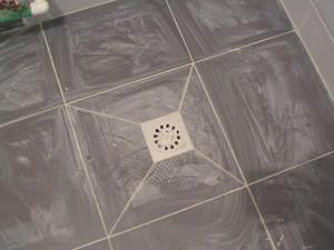 卫生间地漏最新铺法介绍 卫生间地漏怎么换