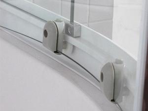 宁波装修完成后业主对淋浴房的维护工作也是不可少的
