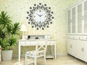 每天一点装修知识:客厅卧室装修挂钟表8个风水局