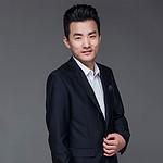 设计师王新庆