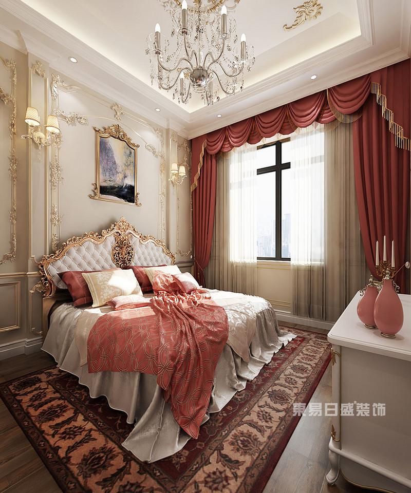 来到法式风格别墅装修效果图的次卧,次卧面积不算太大,多余的空间