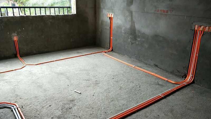 室内电路暗埋的套管布线,电路套管布线最好使用三通接引线.   3.