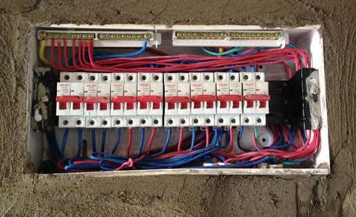 家庭装修中更换一套强电箱需要多少钱?