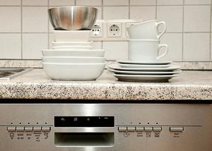 洗碗机是厨房标配