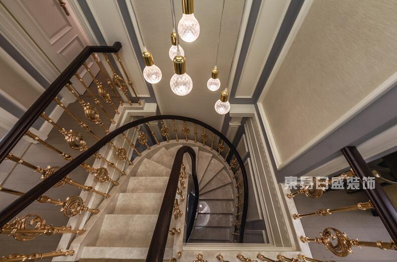 楼梯种类 适合的楼梯效果更好