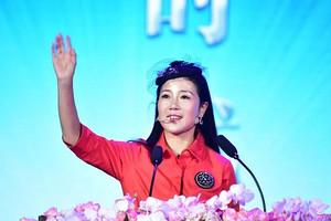 东易日盛2018新年联欢晚会 总裁杨劲女士如何看待发展历程?