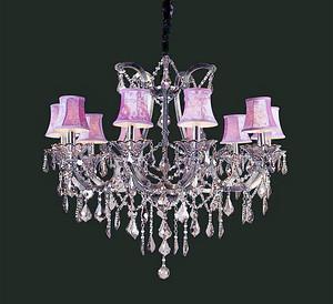 欧式别墅的家里,怎么能少了一盏精美的水晶灯?