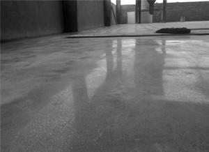 铺水泥地面步骤详解