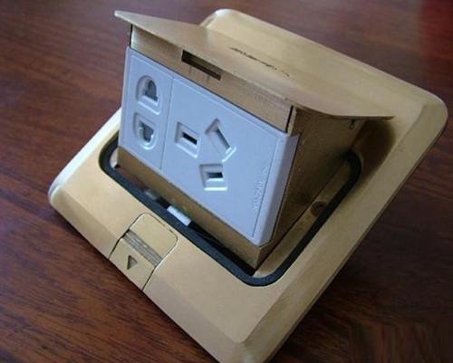 什么是地插座 地插座上盖的安装的注意事项