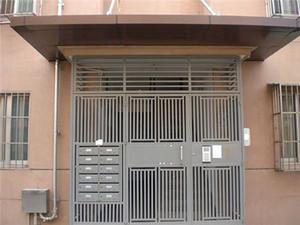 家庭防盗门什么价格 防盗门哪种材质好