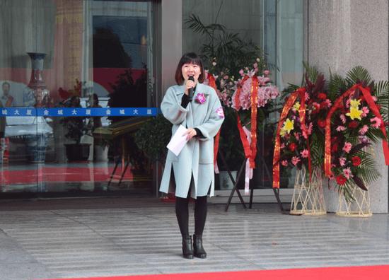 东易日盛旗舰店设计中心店面经理潘玮