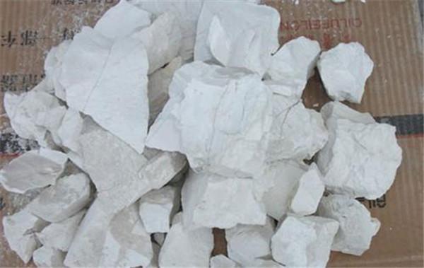 清除装修污染方法生石灰