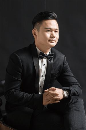 深圳知名家装设计师—柏绍平:设计道路上的努力前行者