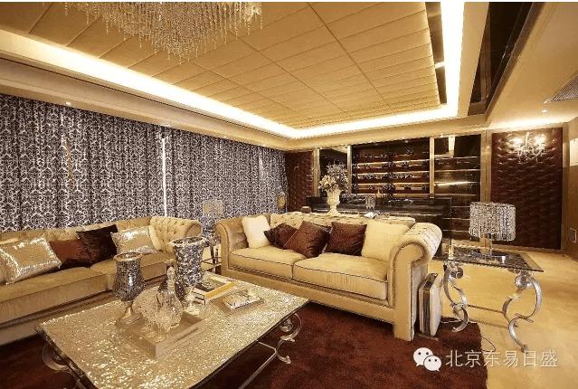北京总部旗舰店-沙发靠枕的摆放