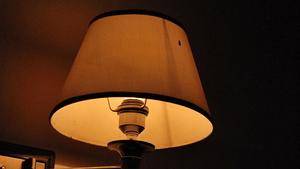 设计师原来是这样选床头灯的 装修的快过来看看