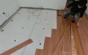 二手房装修原来的瓷砖能不拆除直接铺设木地板或者强化地板吗