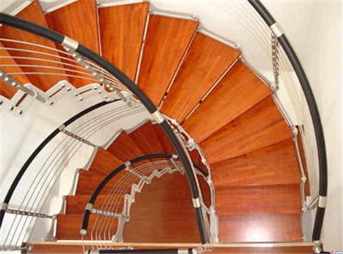 别墅楼梯怎么装修好?