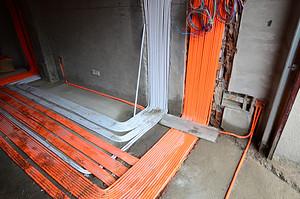 """东易日盛长沙工地的水电管道""""横平竖直"""",这样做的好处是..."""