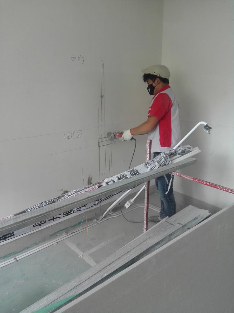装修公司为什么要在装修新房前刮旧腻子?