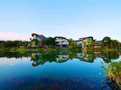 麓湖生态城